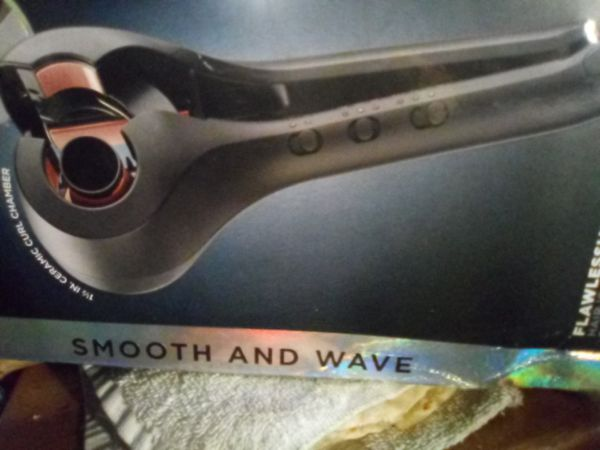 Smooth and wave your hair