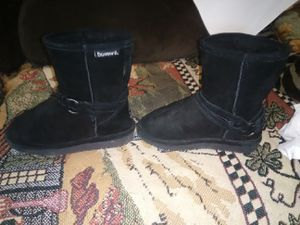 Girls size 12 bearpaw boots new for Sale in Oak Grove, MO