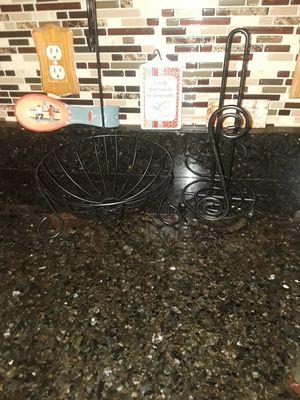 Black fruit basket /napkin holder for Sale in Oxon Hill, MD