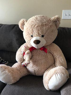 Giant teddy bear for Sale in Gahanna, OH