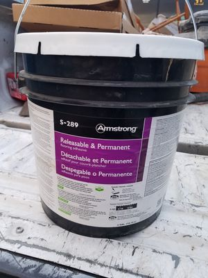 2 buckets of flooring adhesive for Sale in Prineville, OR