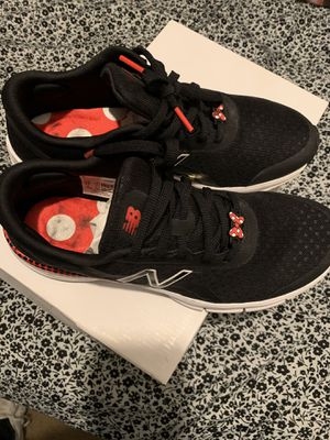 Minnie Mouse new balance for Sale in Bassett, CA