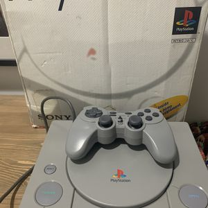 Orginal Playstation 1 & Orginal XBOX for Sale in Fort Lauderdale, FL