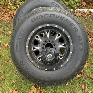 4- Fuel D513 Throttle Matte Black wheels Be and tires for Sale in Plymouth, MA