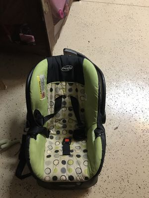 Infant car seat for Sale in Davenport, FL