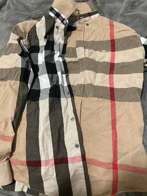 Burberry button up size M for Sale in Pittsburg, CA