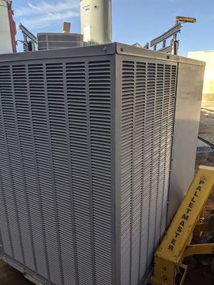 WOW!! 2011 Carrier- 3 -1/2 ton Package Unit AC Heat Pump 3.5ton for Sale in Tempe, AZ