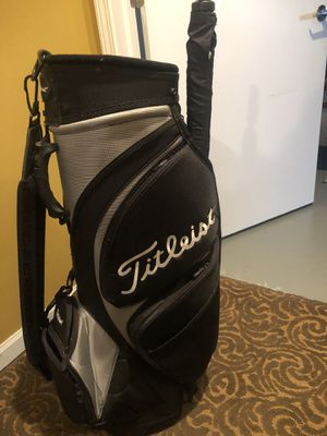 Titleist tour bag for Sale in Naperville, IL