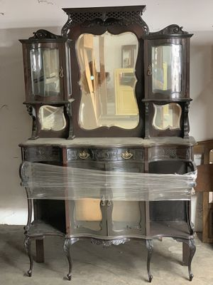Antique display cabinet for Sale in Orange, CA