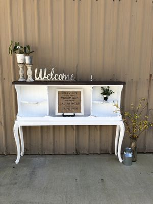 Rustic Entryway/console table/hutch for Sale in Battle Ground, WA