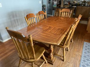 Solid Wood Kitchen Table (6 chairs) for Sale in Virginia Beach, VA