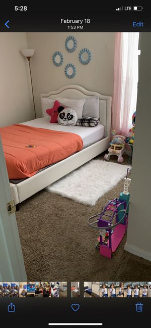 Queen bed for Sale in Haines City, FL