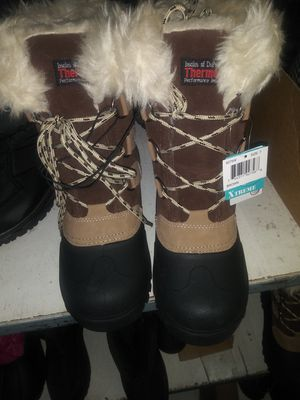 Women's New Snow Boots: size 7 for Sale in Hacienda Heights, CA