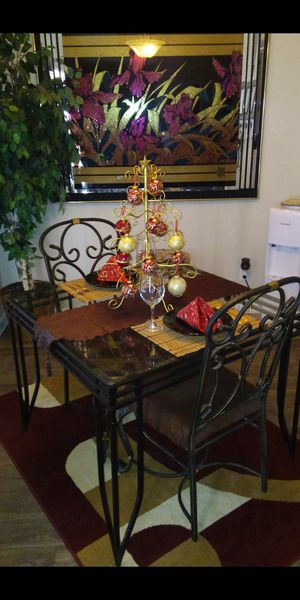 Small kitchen table for Sale in Chandler, AZ