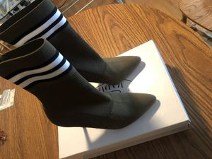 Authentic Steve Madden heels for Sale in Peoria, IL