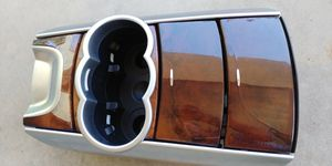 Mercedes Benz R350 center console for Sale in Phoenix, AZ