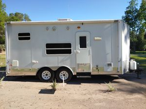 2010 Toy hauler Camper Reelstrong for Sale in Dunnellon, FL