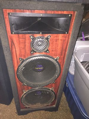 "Set of 2 pro studio each speaker has 2 15"" subwoofers great condition VERY LOUD so a total of 4 15"""" subwoofers with both speakers for Sale in Columbus, OH"