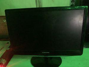 Small Samsung tv for Sale in Vallejo, CA