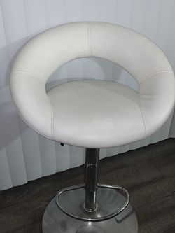 White bar stool chair for Sale in Pleasanton,  CA