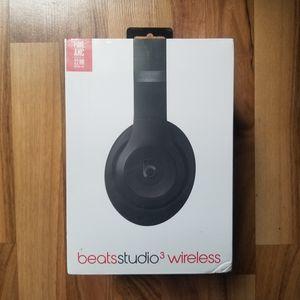 Beats Studio 3 Wireless (matte black) for Sale in Houston, TX