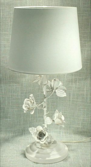 """Metal Roses Lamp 21"""" (1 available) *PICKUP ONLY* home decor, household, lamps, table lamps for Sale in Mesa, AZ"""