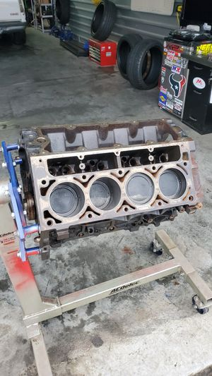 Gen 3 GM LS 5.3l short block motor & parts for Sale in Baytown, TX