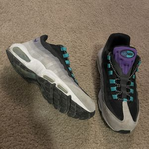 Nike Air Max 95 Grape Size 9.5 for Sale in Lake Worth, FL