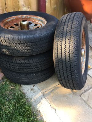 Trailer tires 5 lugs for Sale in Joliet, IL