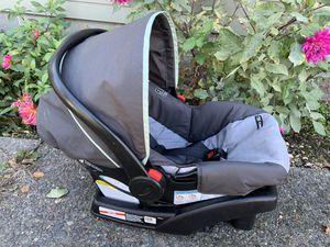 Graco click connect car seat. for Sale in Burien, WA