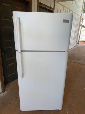 Frigidaire Refrigerator for Sale in Oklahoma City, OK