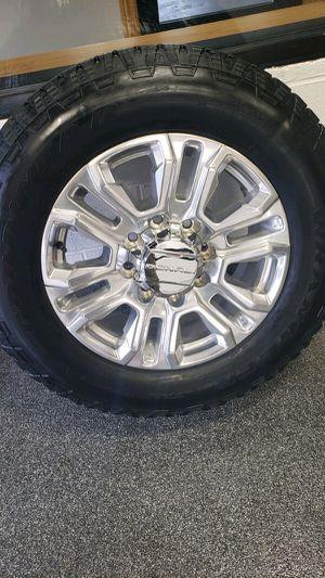 2020 Denali gmc/Chevy 8 lug rims&tires for Sale in Lemont, IL