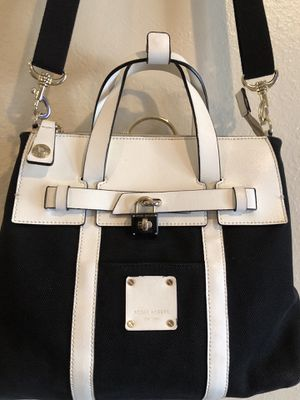 "Authentic Henri Bendel Handbag Shoulder bag. Height 13"" Width 13"" Depth 4.5"" Handle drop 5"" Shoulder bag 18"" In excellent condition. for Sale in Denver, CO"