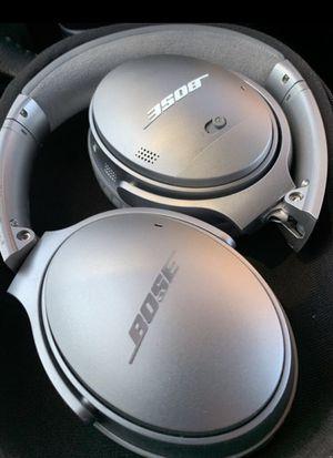 Bose quietcomfort II noise canceling headphones for Sale in Tampa, FL