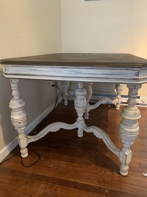 Beautiful Antique Table! for Sale in Nashville, TN