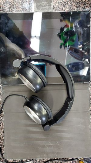 iPad and Colb headphones for Sale in Memphis, TN