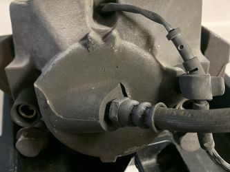 2006 BMW 3Series Front Break calipers for Sale in Orlando,  FL