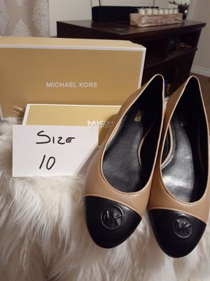 MICHAEL KORS SIZE 10 for Sale in Highland, CA