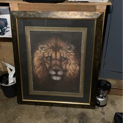 Hanging Picture Of a Lion. for Sale in Woodburn,  OR