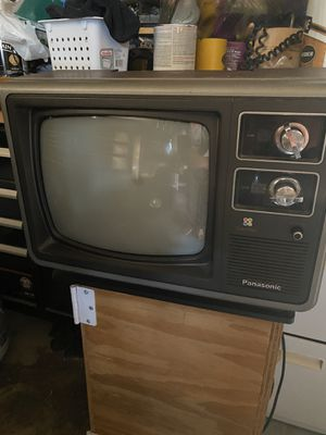 Vintage Panasonic Color Pilot Knob Tv for Sale in Normal, IL