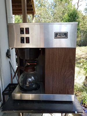 Bunn pour omatic coffee maker for Sale in Spring Hill, FL