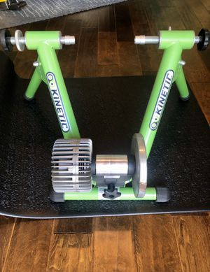 Kinetic Machine Bike Trainer with Mat for Sale in San Diego, CA