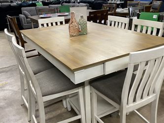 LAST ONE DINING TABLE WITH VHAIRS FARM STYLE $799 for Sale in Tolleson,  AZ