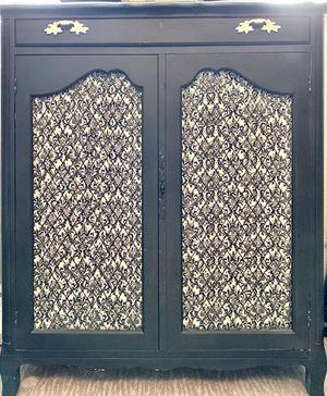 Vintage refurbished cabinet $200 for Sale in Huntington Beach, CA