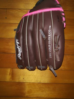 Girl's softball glove for Sale in Winchester, MA