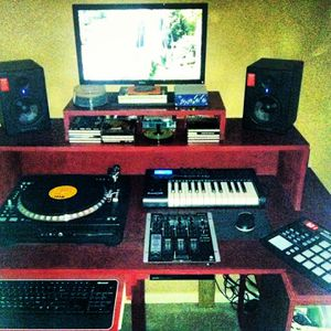 Mini-studio music workstation!! Make an offer.. it's gotta GO! for Sale in League City, TX