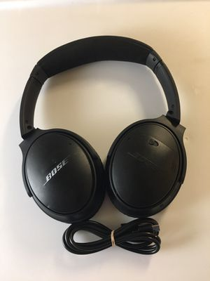 BOSE QuietComfort 35 Wireless Bluetooth Noise Cancelling Headphones LIKE NEW With Charger for Sale in Denver, CO