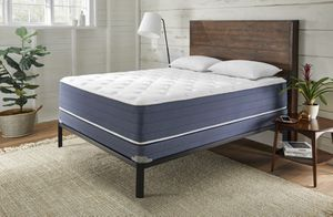 13 inch thick luxury mattresses in your choice of pillow top or firm for Sale in Swiftwater, PA