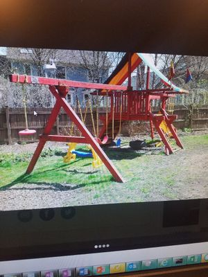 Rainbow swing set for Sale in Lombard, IL