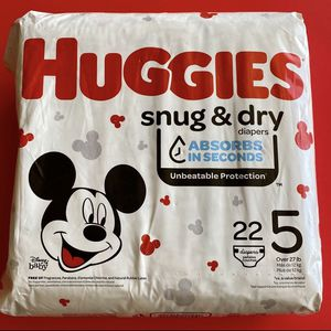Huggies Size 5 Snug & Dry Diapers for Sale in Hesperia, CA